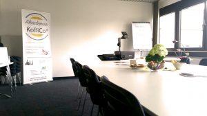 Bild zur Ausbildung der Ausbilder Vollzeit in Düsseldorf - Sie sehen einen Schulungsraum.