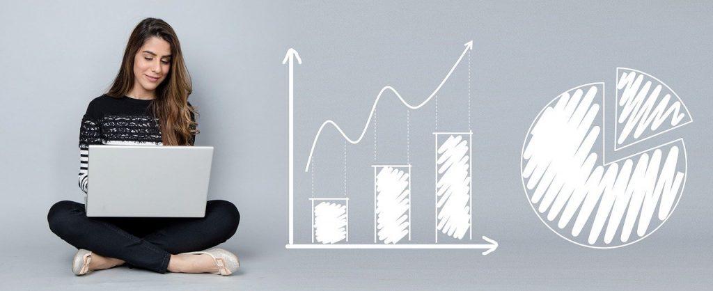 Überprüfen Sie als Fachwirt im E-Commerce Ihre Zulassungsvoraussetzungen. Sie können eine Weiterbildung für die Managementebene machen.